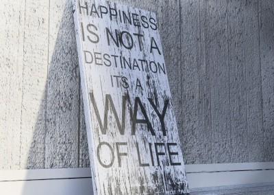 """Quote Wood Sign – """"HAPPINESS"""""""