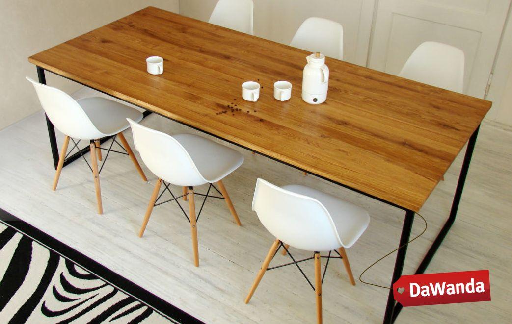 stół i krzesła w stylu skandynawskim